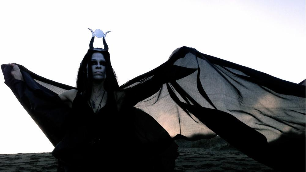 KARYN CRISIS GOSPEL OF THE WITCHES