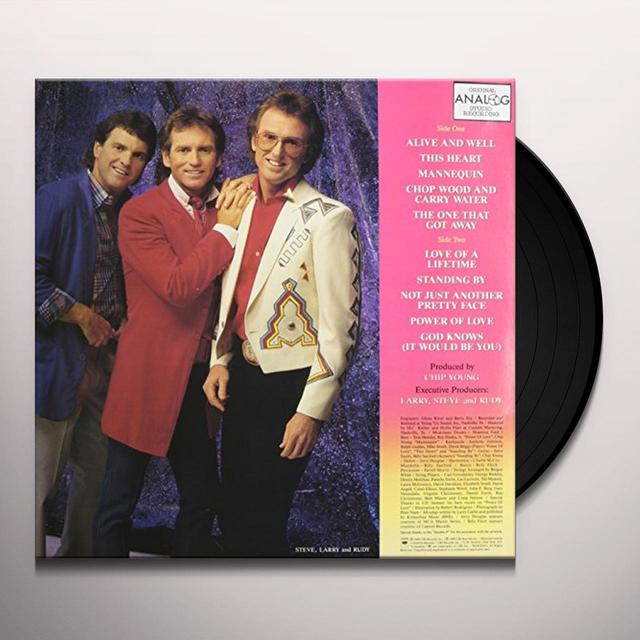 Larry Gatlin & Gatlin Brothers ALIVE AND WELL LIVIN IN THE LAND OF DREAMS Vinyl Record