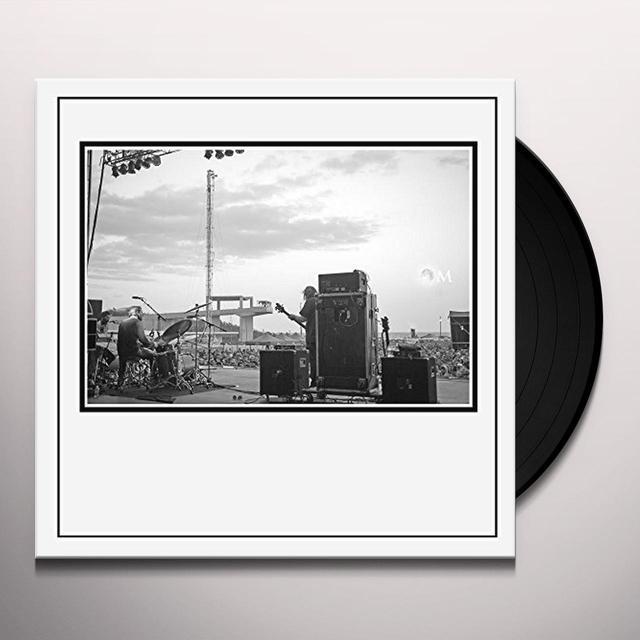 Om LIVE (UK) (Vinyl)