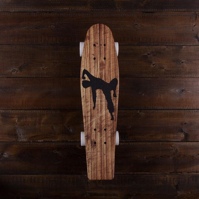 Bruce Lee Flying Man Aluminati Plank Cruiser