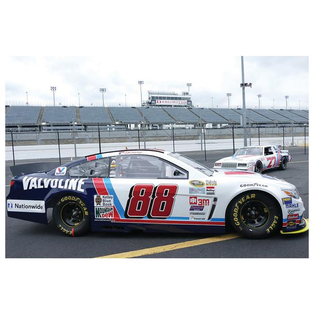 Hendrick Motorsports Dale Jr. 2015 #88 & Cale Yarborough #27 2 pack 1:64 Scale Valvoline Nascar Sprint Cup Series Die-Cast Set