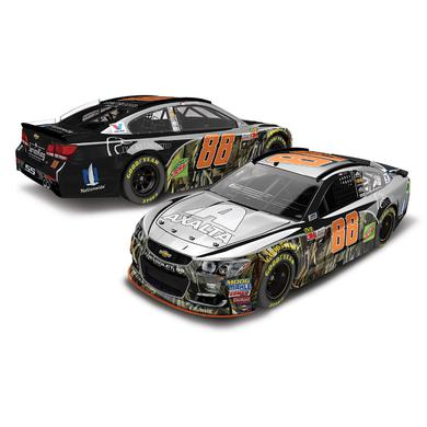 Hendrick Motorsports Dale Earnhardt, Jr. 2017 NASCAR Cup Series No. 88 Axalta Ducks Unlimited 1:24 Color Chrome Die-Cast