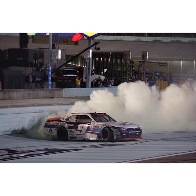 Hendrick Motorsports 2017 William Byron XFINITY Series Champion Victory 1:64 Die-Cast