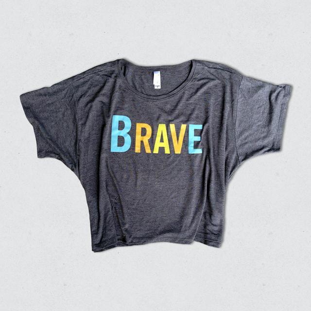 "Sara Bareilles WOMEN'S ""BRAVE"" CROPPED TEE"